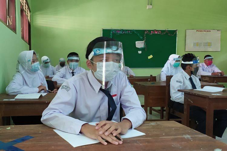 40 SMP di Kota Tangerang Mulai Gelar PTM, Walikota Imbau Siswa dan Guru Terapkan Prokes Ketat